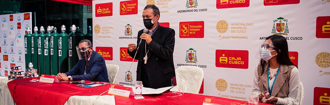 ARZOBISPADO DEL CUSCO RECIBIÓ 30 BALONES DE OXIGENO Y 30 REGULADORES DONADOS POR LA CAJA CUSCO PARA LA LUCHA CONTRA EL COVID-19